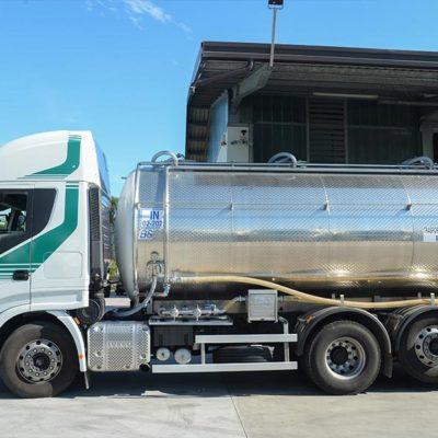 Raccolta e trasporto latte